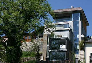 Hausbau moderner baustil  Bauunternehmen & Zimmerei ZEBAU | Hausbau - Neubau im Salzkammergut